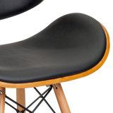 의자 W15885를 식사하는 Eames 합판 Bentwood