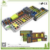 機構の耐久の安全な屋内子供のトランポリン公園、大きいトランポリン公園