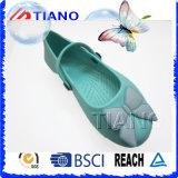 Hermosas mujeres zuecos con mariposa (TNK40050)