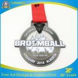金属のエナメルの記念品メダルは遊ばすフットボールの試合(XF-MD03)のためのメダルを