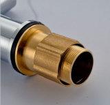 Miscelatore sanitario del dispersore di cucina degli articoli del doppio della maniglia bicromato di potassio d'ottone caldo della parte girevole