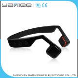 黒い骨導の無線Bluetoothのマイクロフォンのヘッドホーン