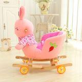 Paseo de los niños de las ruedas en silla de oscilación del conejo de la felpa del juguete