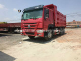 6X4 HOWOのダンプトラックの使用されたSinotruk HOWOのダンプカートラック