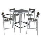 Conjunto al aire libre de madera plástico de aluminio amontonable del vector de la silla de la barra de los muebles del restaurante