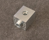 Части CNC алюминиевого сплава подвергая механической обработке с серебряный анодировать, таможня делают