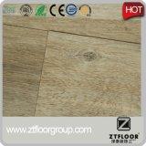 El tratamiento superficial grabado e impermeabiliza el desgaste - suelo resistente del PVC