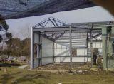Edificio de la estructura de cristal y de acero