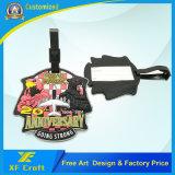 製造業者によってカスタマイズされるデザインロゴプラスチック柔らかいPVC一流袋の札のホールダー(XF-LT04)