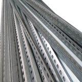 Cremalheiras do armazenamento e ferro de ângulo de perfuração do uso da prateleira