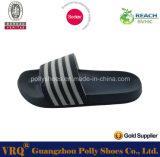 2016の卸売のFootwear Men PU SandalおよびSlipper