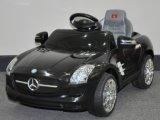 Лицензированная езда на Benz SLS Мерседес автомобиля