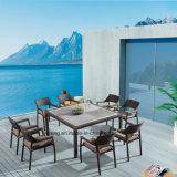 La Tabella pranzante esterna della mobilia impermeabile reale di disegno ha impostato con il blocco per grafici di alluminio con rattan di vimini (YTA581&YTD533-2)