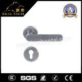 中国の製造者のステンレス鋼304の固体鋳造のレバーのドアハンドル