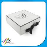 Коробка твердого роскошного нижнего белья одежд упаковывая
