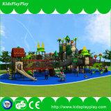 Большая спортивная площадка парка атракционов темы джунглей с взбираясь сетью