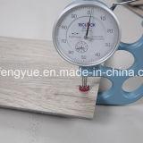 Carrelage imperméable à l'eau élevé de vinyle de cliquetis de PVC