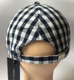 boné de beisebol 100%Cotton na tela da verificação com o Emb e curvatura do metal na parte traseira (LY062)