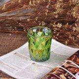贅沢なイオンクリスマスのギフトのためのめっきによって浮彫りにされるガラス蝋燭ホールダー