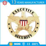 Emblemas de metal dourado com seu logotipo