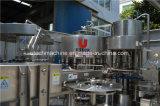 Planta de embotellamiento pura automática llena del agua mineral