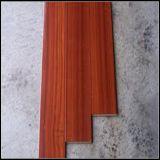 高品質の固体Sapeleの木の床