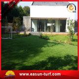 庭の美化のための自然な見る高密度柔らかさ4カラー人工的な草