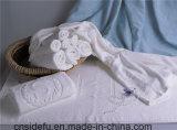 星のホテルによって使用される白の100%年の綿のジャカードテリータオル