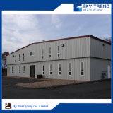 Edificio de marco de acero prefabricado con la grúa de acero