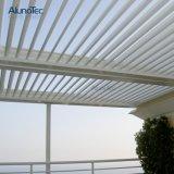 La pérgola impermeable cubre el pabellón del material para techos del patio