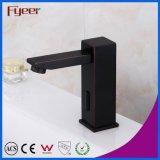 Taraud automatique noir en laiton solide de salle de bains de robinet de détecteur de qualité