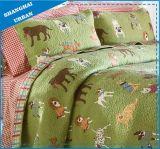 子供の寝具犬の動物園はポリエステルキルトセットを印刷した