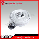 Tuyau d'incendie blanc avec des couplages ou des garnitures de Storz