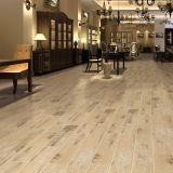 Selecciones de estilo Azulejo de porcelana Cerámica de piso de madera
