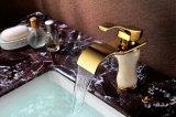 Robinet d'or d'en cuivre de bassin de salle de bains de couleur (SD-L-001A)