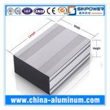 El aluminio sacó aluminio con trabajar a máquina y el tratamiento superficial