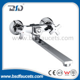 Chromed de cobre amarillo Wall Mounted Bath Shower Faucets con Sliding Bar