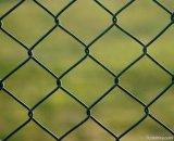 中国製電流を通されたチェーン・リンクの塀は空港のような保護場所で使用される