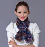 女性は100%年のRexのウサギの毛皮の冬のスカーフを作る(YKY4396)
