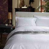 Insieme bianco molle 100% dell'assestamento di Boader del ricamo del cotone dell'hotel e della casa