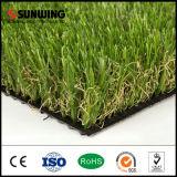 Im Freiengarten-natürlicher grüner synthetischer Gras-Rasen mit SGS-Cer