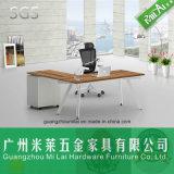 Manera L escritorio de oficina moderno de la dimensión de una variable con la pierna del acero inoxidable