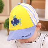 El pequeño tiburón de 15016 historietas enarboló el sombrero del bebé