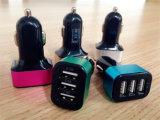 최고 질 새로운 개인적인 3 포트 USB 차 충전기 튼튼한 물자 보편적인 차 충전기 쉘