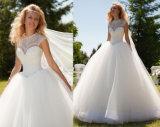 Vestido de casamento nupcial da chegada nova com perolização da garganta elevada