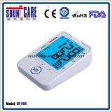 Grand moniteur éclairé à contre-jour bleu de pression sanguine de bras de Digitals de ménage (point d'ébullition 80K)