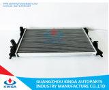 Radiatore automatico della festa Mt del Ford per la disposizione nella memoria di alluminio con il serbatoio di plastica