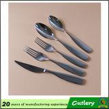 Couverts réglés de restaurant d'hôtel de couverts de fourchette de couteau polonais de cuillère