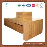 Présentoir en bois pour le commerce de détail
