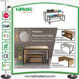 Vectores promocionales de la visualización de madera del MDF de la jerarquización para el almacén de ropa